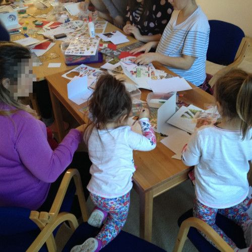 A child craft session